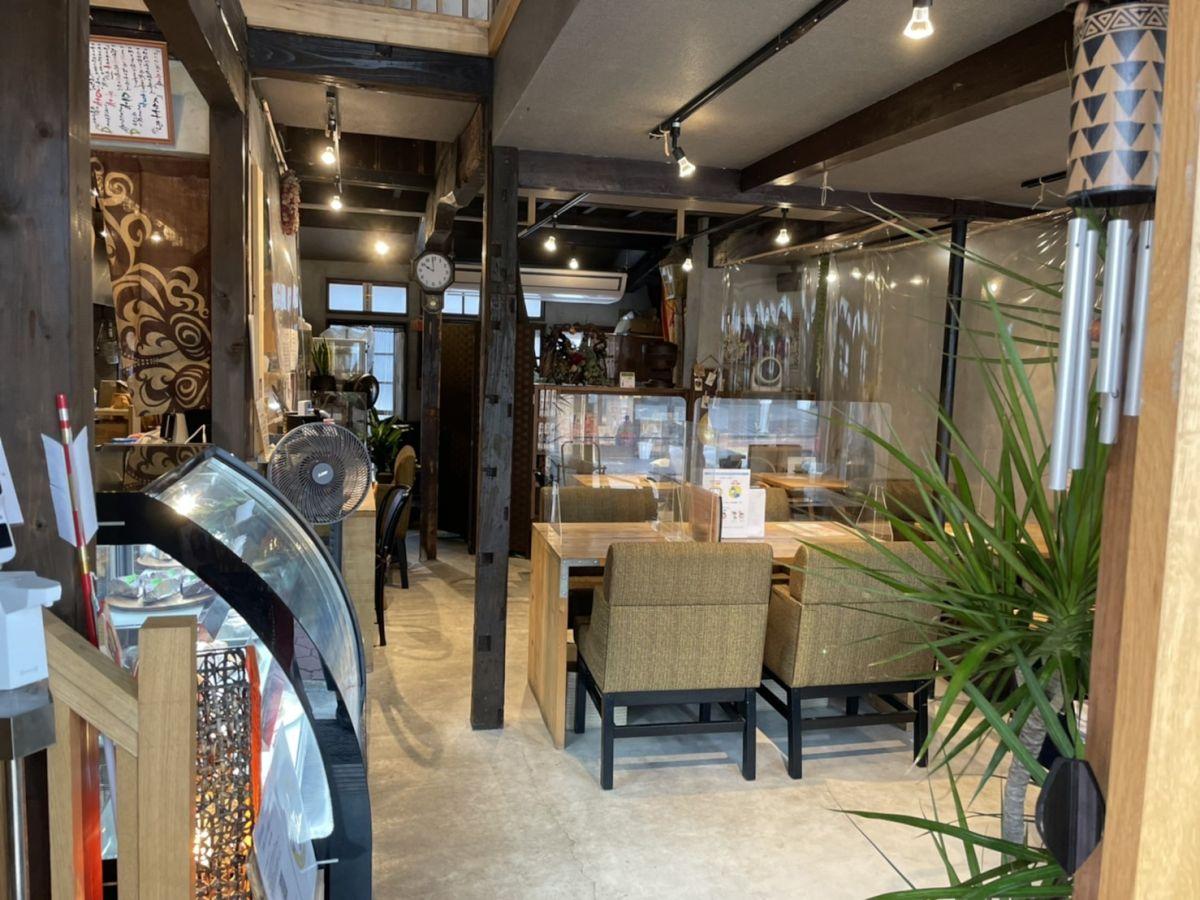 傘屋さんをリノベーションした古民家カフェ